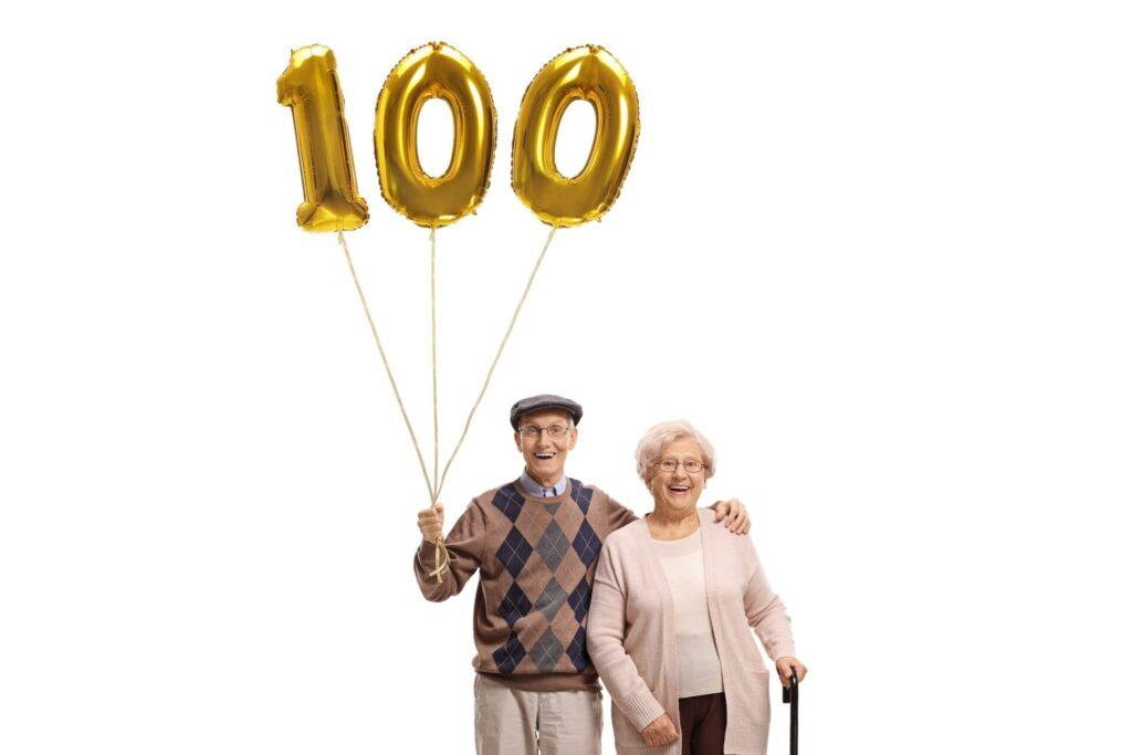 人生100年時代、生涯歯をほとんど失うことないように